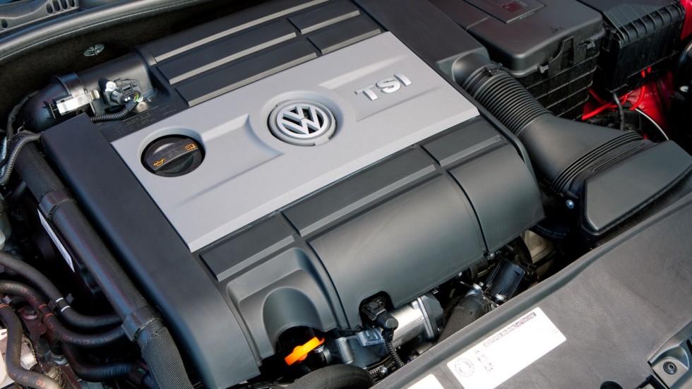 Pod kapotom Volkswagen Golf GTI 5 door 2011 980x0 c default